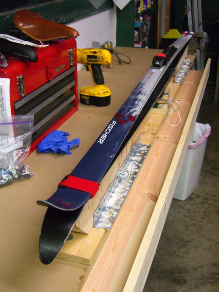 ski bench how to recycle ski wax